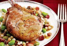 Côtelettes de porc à la moutarde sur couscous israélien Edamame, Pork Recipes, Meat, Chicken, Main Courses, Cooking, Recipes, Cooking Food, Food Recipes