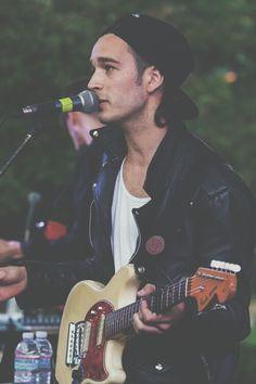 .Matt Healy LUV HIM!!! ;D