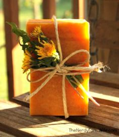 How to Make Honey & Dandelion Soap     http://diyhomesweethome.com/how-to-make-honey-dandelion-soap/
