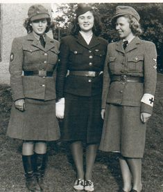 Norwegian frontline nurses, volunteering in the Wehrmacht.