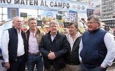 Parte de Prensa Coninagro, Confederaciones Rurales Argentinas y Sociedad Rural Argentina , integrantes de la Comisión de Enlace de Entidades Agropecuarias, junto a un numeroso grupo de productores y ciudadanos se manifestaron frente al Obelisco con l
