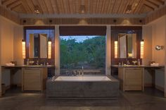 We take a look inside Amanoi Hotel Vietnam the ultimate luxury getaway in this fabulous country Luxury Hotel Bathroom, Hotel Bathrooms, Bathroom Interior, Resort Plan, Hotel Guest, Hospitality Design, Hotels And Resorts, Luxury Resorts, Decoration