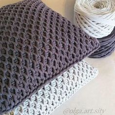 Crochet Pattern Model for Tunisian Crochet Crochet Crochet Pattern Knitting Model Video We elisiorgu . Mandensteek 2 om Lijkt me l Pillow from a knitted yarn a beautiful pattern From Crochet to Knitting If the idea is to invest in a model of cushion cover Diy Crafts Crochet, Crochet Home, Love Crochet, Crochet Projects, Crochet Amigurumi, Crochet Yarn, Crochet Stitches, Crochet Pillow Pattern, Crochet Cushions