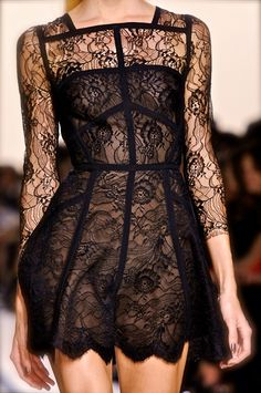 Elie Saab S/S 2014..nice! Not even gay but I'd fuck any girl wearing this.