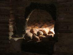 Les pains sont au four, forteresse (XVe-XVIe), Salses, Corbières maritimes,   Roussillon, Occitanie, France.