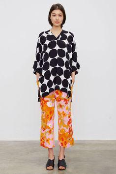 Marimekko Parigi - Spring Summer 2016 Ready-To-Wear - Shows - Vogue. Marimekko, Shop The Runway, Fashion News, Fashion Trends, School Fashion, Get Dressed, Spring Summer, Spring 2016, Summer 2016