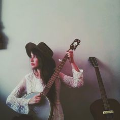 Post image for Sweet Creative Soul: Meet Amy Nelson Acoustic Guitar Lessons, Guitar Songs, Guitar Chords, Babe, Free People Blog, Learn To Play Guitar, Sweet Soul, Cool Guitar, Guitar Case