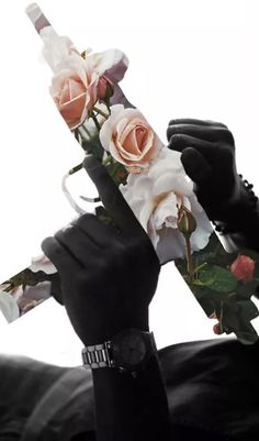 If only we could replace all the guns in the world with flowers. Arte Dope, Graphisches Design, Supreme Wallpaper, Dope Wallpapers, Photoshop, Foto Art, Black Art, Oeuvre D'art, Collage Art