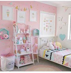 Toddler bedroom girl - Little girls room kidsgirlsbedroom Kids Bedroom Designs, Cute Bedroom Ideas, Girls Room Design, Baby Bedroom, Girls Bedroom, Bedroom Decor, Toddler Rooms, Kids Rooms, Little Girl Rooms