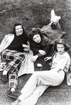 Katharine Hepburn with her sisters c. 1939 702 notes