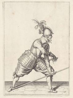 Soldaat die met zijn linkerhand zijn spies tegen zijn rechtervoet plaatst en met zijn rechterhand zijn zwaard trekt, Jacob de Gheyn (II), 1597 - 1607