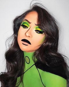 Look b Disney Halloween Makeup, Halloween Inspo, Halloween Makeup Looks, Disney Makeup, Halloween Series, Halloween Stuff, Halloween Costumes, Makeup Art, Eye Makeup