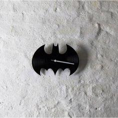 Batman bakelit falióra - csendes óraszerkezettel Gotham City, Batman, Symbols, Art, Art Background, Kunst, Performing Arts, Glyphs, Art Education Resources