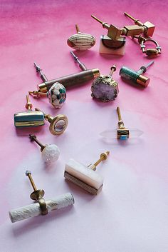 Looking to upgrade every room in the house on a dime? Interior designers share their favorite home hardware from kitchen cabinet pulls to knobs and hooks Kitchen Cabinet Pulls, Best Kitchen Cabinets, Knobs And Pulls, Drawer Pulls, Drawer Knobs, Door Pulls, Cabinet Knobs, Cabinet Hardware, Bohemian Chic Decor