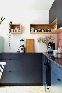 23 Rustic Country Kitchen Design Ideas to Jump Start Your Next Remodel - The Trending House Black Kitchen Cabinets, Black Kitchens, Home Kitchens, Kitchen Backsplash, Kitchen Interior, New Kitchen, Kitchen Decor, Kitchen Grey, Awesome Kitchen