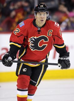 Jarome Iginla a healthy scratch, sparks trade rumours Maurice Richard, Calgary, Hockey Pictures, Mario, Hockey World, Olympic Games Sports, Ice Hockey Teams, Vancouver Canucks, Edmonton Oilers