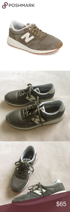 New Balance 420 Sneaker Olive green color. WOMENS size 7.5 worn 2 times great condition! Open to offers :) New Balance Shoes Sneakers