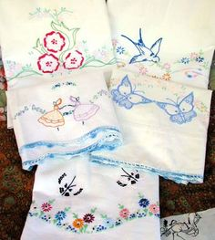 blog2collectionsanfavs:    Embroidered tea towels