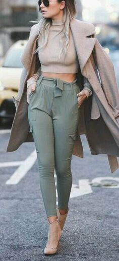 Neat Fashion Trends Daily – 30 Cute Winter Outfits On The Street 2016 The post Fashion Trends Daily – 30 Cute Winter Outfits On The Street appeared first on Fashion . Fall Outfits 2018, Cute Winter Outfits, Mode Outfits, Casual Outfits, Club Outfits, Fashionable Outfits, Winter Clothes, Classy Outfits, School Outfits