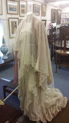 Vintage wedding dress-Circa 1935 An Isobel wedding gown Auction 4/11/15 sold £220 #BourneEndAuctionRooms