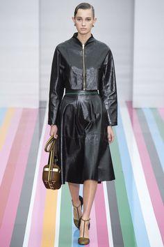 Salvatore Ferragamo Fall 2016 Ready-to-Wear Fashion Show - Yasmin Wijnaldum