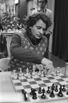 Spassky was the world chess champion from USSR. Who succeeded him with huge victory? Chess Time, History Of Chess, Bobby Fischer, Chess Moves, Art Through The Ages, Chess Players, Kings Game, Chess Pieces, Strategy Games