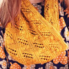 Ravelry: Project Gallery for Joselyn Cowl pattern by Cassie Castillo