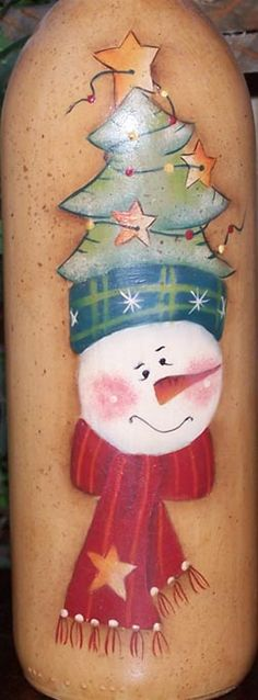 Free pattern from paintingonjars.com  Snowman with Tree Hat Bottle