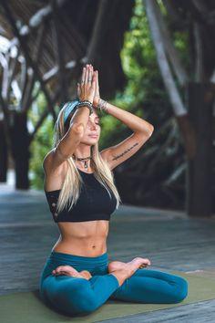 Yoga Photography, Fitness Photography, Yoga Routine, Boho Beautiful Juliana, Yoga Inspiration, Fitness Inspiration, Namaste, Beautiful Yoga Poses, Cool Yoga Poses