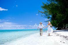 Want A Destination Wedding in Tahiti? Get Ready For Awesome Time. #destinationwedding #tahitiwedding