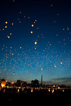 Taiwan Sky Lantern Festival: this is on my travel bucket list.