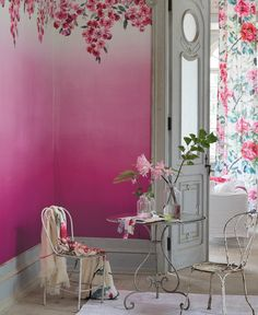 Designers Guild Trailing Rose ombre wallpaper-I lov the ombre effect on this wallpaper and how it compliments the motif across the top Interior Architecture, Interior And Exterior, Ombre Wallpapers, Pink Ombre Wallpaper, Tricia Guild, Pink Home Decor, Decoration Inspiration, Interior Decorating, Interior Design