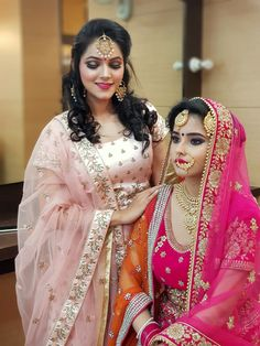 What a fantastic combination of bridal and light makeup. What a fantastic combination of bridal and light makeup. Best Bridal Makeup, Bridal Hair And Makeup, Latest Punjabi Suits, Affordable Bridal, Indian Wedding Fashion, Lehenga Wedding, Wedding Makeup Artist, Bride Portrait, Indian Couture