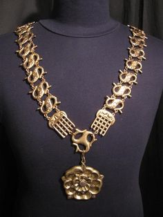 Chain of Office Sir Thomas Moore replica gold S chain with Tudor rose.JPG