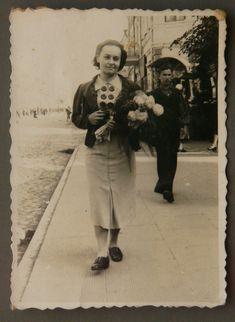Ровно 1938 р. Пані Галина Грабовська.