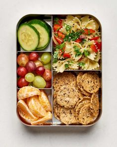 10 easy vegan lunch box ideas college meals детские обеды, и Easy Vegan Lunch, Vegan Lunches, Lunch Snacks, Heathly Lunch Ideas, Bento Lunch Ideas, Good Lunch Ideas, Healthy Vegetarian Lunch Ideas, Cheap Lunch Ideas, Simple Lunch Ideas
