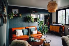 Industrial and vintage living room. Cosy and warm!