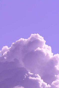 Light Purple Wallpaper, Light Purple Background, Purple Wallpaper Iphone, Cloud Wallpaper, Fall Wallpaper, Butterfly Wallpaper, Purple Backgrounds, Violet Aesthetic, Lavender Aesthetic