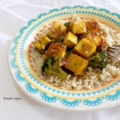 Tofu & Broccoli with Homemade Sauce See recipe on my Instagram #tofu, #broccoli, #vegans_vegans, #eatfortheplanet, #veganfood