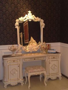vanity dressing table, boutique boudoir style