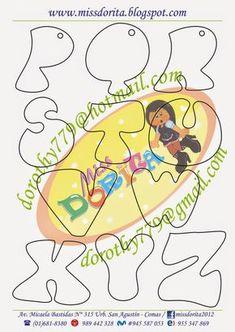 Aqui les dejo un abecedario muy lindo para que personalicen sus  trabajos, yo uso algunas letras pre cortadas pero estas les serviran  mucho... Alphabet Art, Alphabet And Numbers, Doodle Lettering, Hand Lettering, Drawing Letters, Scrapbook Templates, Subway Art, Felt Crafts, Coloring Pages