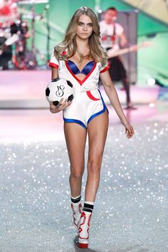Cara Delevingne Isn't Bloated— Cara Delevingne at the Victoria's Secret Fashion Show in 2013