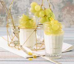Diese feine, nicht sehr süsse Creme lässt sich sehr gut vorbereiten. Mousse Dessert, Keks Dessert, Creme Dessert, Mascarpone Creme, Creme Fraiche, Cheesecake, Food And Drink, Sweets, Recipes