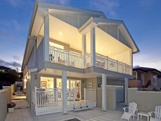 Hamptons style home in Brisbane Hamptons Style Homes, The Hamptons, Duplex Design, House Design, Facade House, House Facades, House Exteriors, New Home Builders, Dream House Exterior