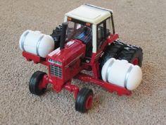 International Tractors 986 | Custom Tractors