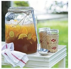 I love ice tea with lots of lemon!  This presentation makes it look so yummy as well!
