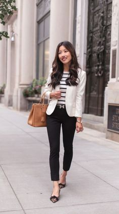 35 Great Summer Business Outfit Ideas For A Career Women is part of Blazer outfits - ttempting to decipher business casual for women can be a bit difficult in the modern work environment and can change depending on the place you work Stylish Work Outfits, Smart Casual Outfit, Spring Work Outfits, Work Casual, Classy Outfits, Chic Outfits, Casual Office, Casual Summer Outfits For Work, Summer Smart Casual