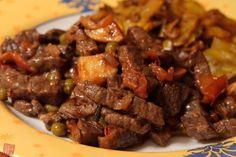 Sült marha keralai módra Hungarian Recipes, Hungarian Food, Food 52, Kerala, Bacon, Food And Drink, Beef, Meat, Hungarian Cuisine