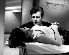 """Marcello Mastroianni e Yvonne Furneaux in """"La Dolce Vita"""", 1960 © Everett Images"""