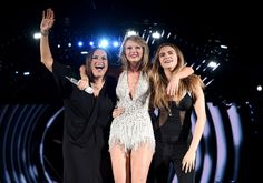 Pin for Later: Please Welcome to the Stage: Every Single Surprise Taylor Swift Guest Mariska Hargitay